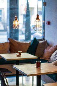 Tables Lights Cafe Furniture  - Sm4200458 / Pixabay